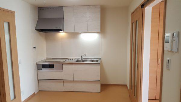住宅兼賃貸住宅 オーナー側キッチン
