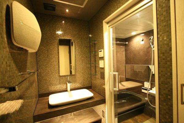 改装後洗面と浴室