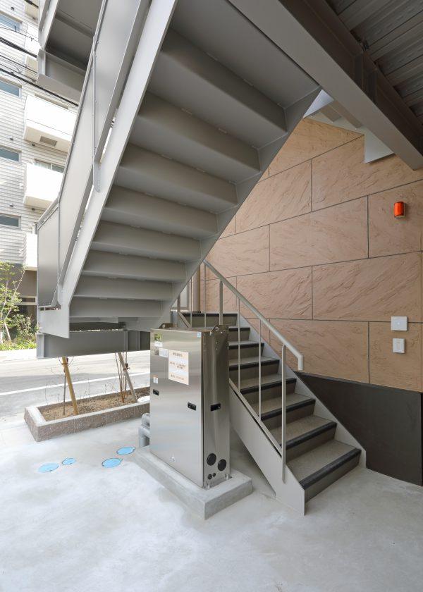 1F 屋外階段