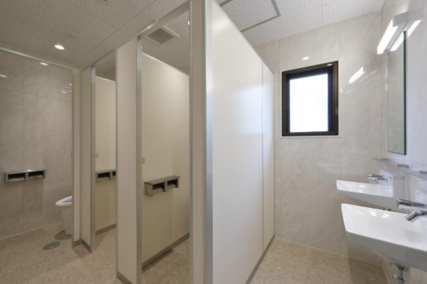 4F 女子トイレ